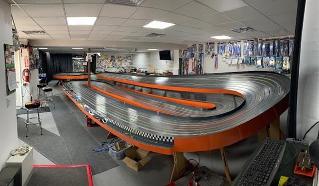 Click image for larger version.  Name:twisted orange shadow raceway.jpg Views:4 Size:59.8 KB ID:18257