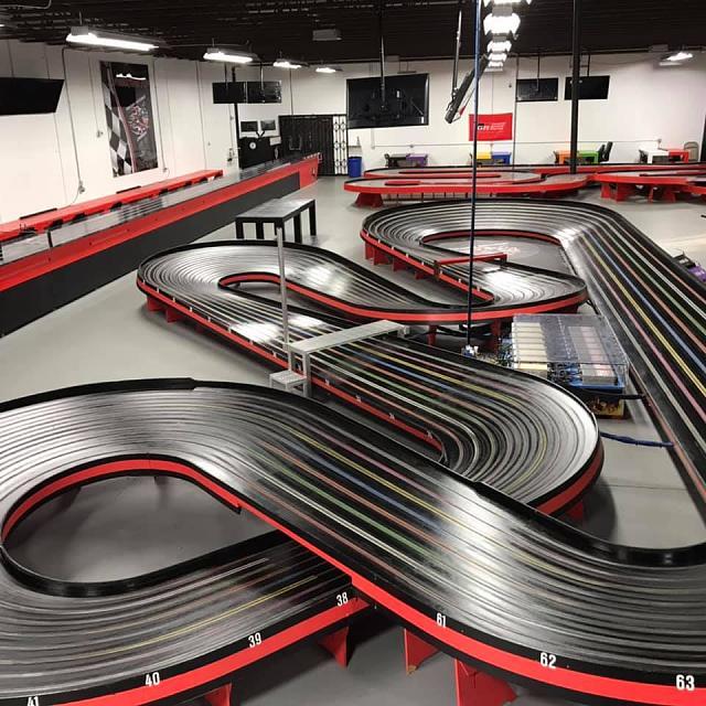 Click image for larger version.  Name:Piranha Speedway & Hobbies - Blue King Slot Car Track.jpg Views:19 Size:94.2 KB ID:18258